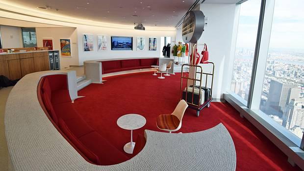 Runde Retro-Formen empfangen den Besucher in der 86. Etage des One World Trade Center in Manhattan...