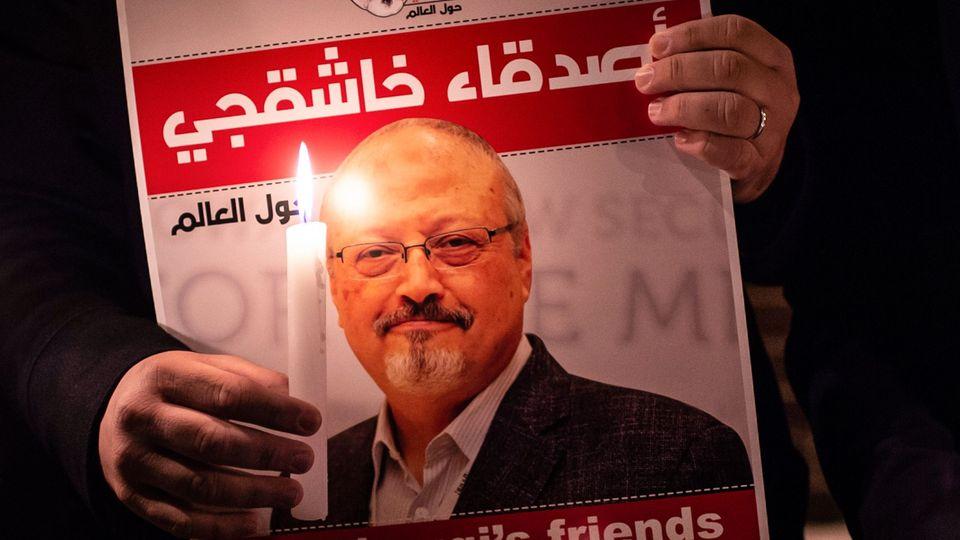 Gedenkplakat an den ermordeten saudischen Journalisten Jamal Khashoggi