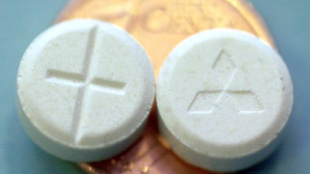 Zwei Pillen Ectasy