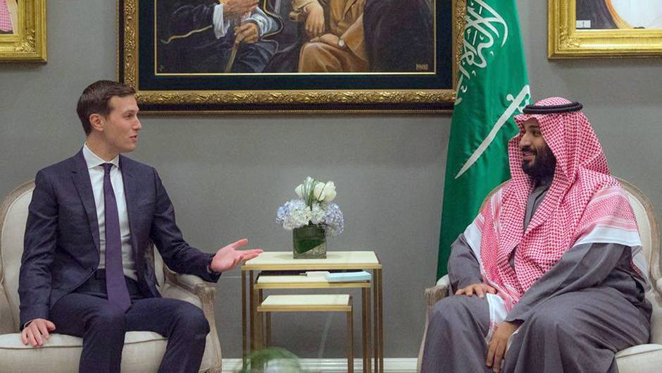 Jared Kushner (l.) bei einem Treffen mit Mohammed bin Salman