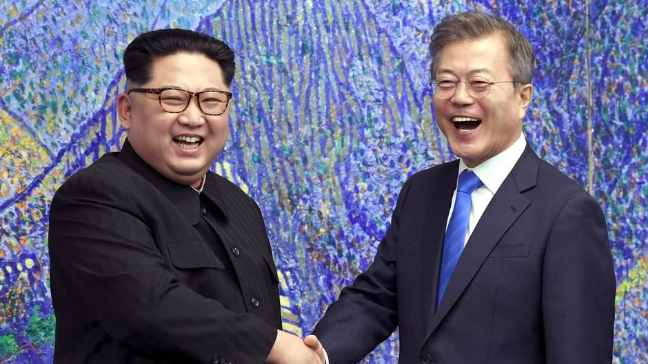 Nordkorea: Die koreanischen Staatsoberhäupter Moon und Kim Jong-Un
