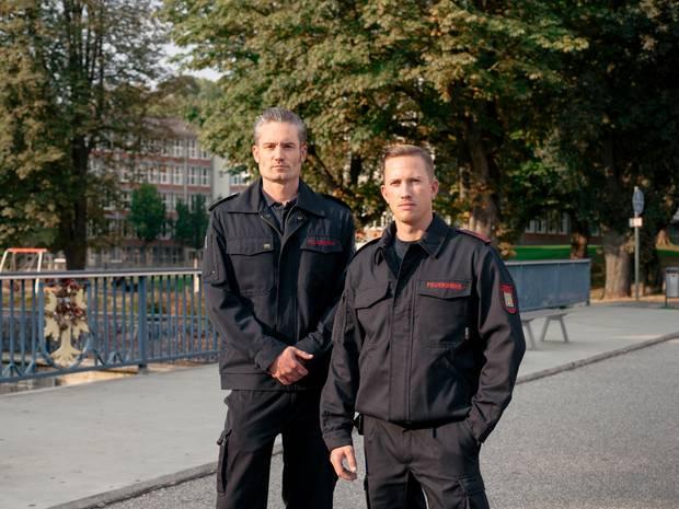 Feuerwehrleute Nicolas Reichel und Ron Heimann