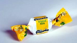Ricola Schweizer Kräuter kommen als Teekapseln