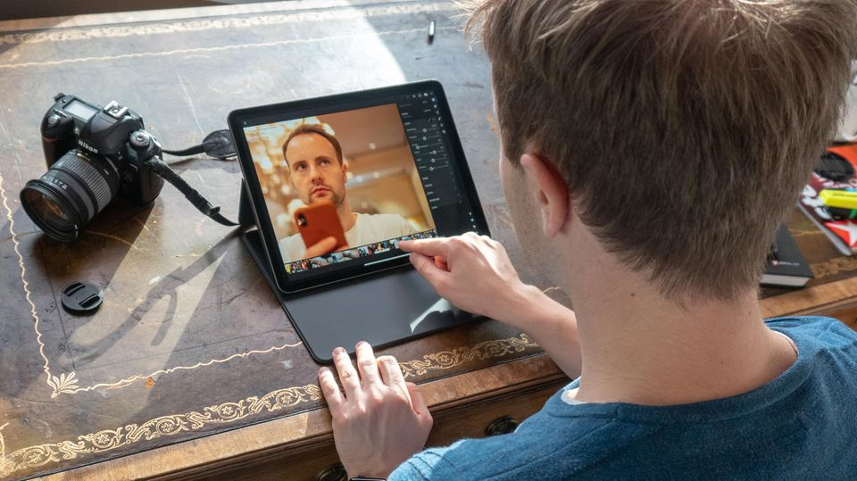Die Kamera kann via USB-C direkt an das iPad angeschlossen werden.
