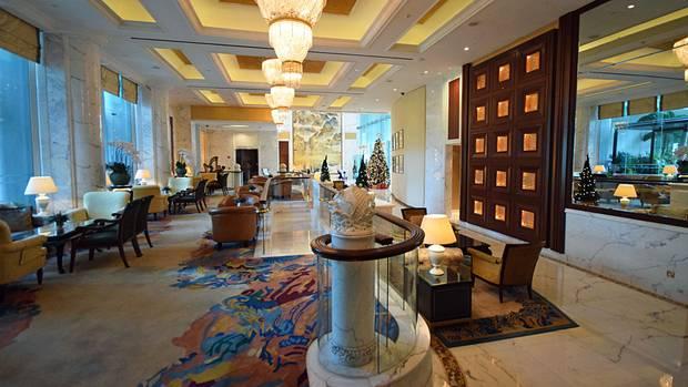 Die Lobby des feinen Valley Wings von Shangri-La Singapore