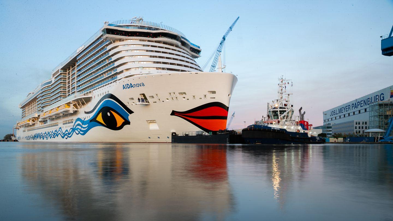 """Sonderpreis der Jury: Aida Cruises für das weltweit erste LNG-Kreuzfahrtschiff  Die """"Aida Nova"""" trägt den richtigen Namen:Als das weltweitersteLNG-Schiffe in Auftrag gegeben wurde, war die Versorgungslage in den Häfen noch alles andere als klar – und auch die Technik an Bord war eine große Herausforderung. """"Ein sehr mutiger Schritt also"""", sagt die Jury. """"Und mit der ein echtes Zeichen auf dem Weg zu einer umweltfreundlicheren Schifffahrt gesetzt wurde. Das hilft dem Renommée der gesamten Branche."""""""