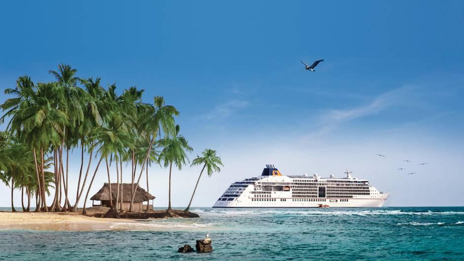 """Gastronomie: """"Europa 2""""  Wegen der kulinarischenVielfalt, der herausragenden Qualität und derperfektenInszenierung gelten die Restaurants der """"Europa 2"""" als Benchmarkder Branche. Die sieben Esstempel , so die Jury, sind als Gesamtpaket auf den Weltmeeren noch immer nicht zu schlagen. Daherwurde das Flaggschiff von Hapag-Lloyd Cruises erneut Sieger der Kategorie."""