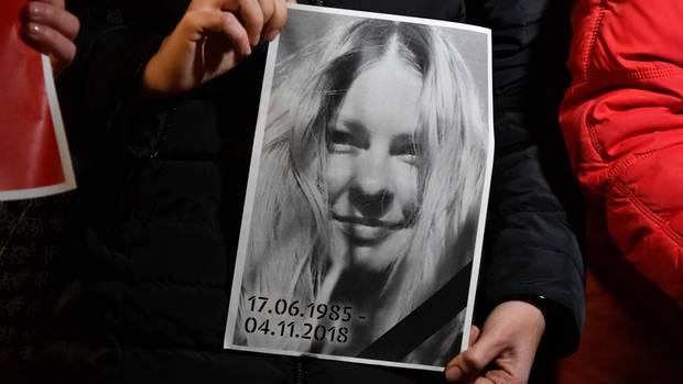 Ukraine: Die Korruptionsbekämpferin Jekaterina Gandsjukist drei Monate nach einem Säureanschlag ihren Verletzungen erlegen