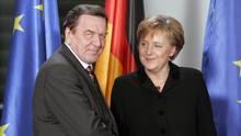 Gerhard Schröder empfiehlt Angela Merkel, die Vertrauensfrage zu stellen