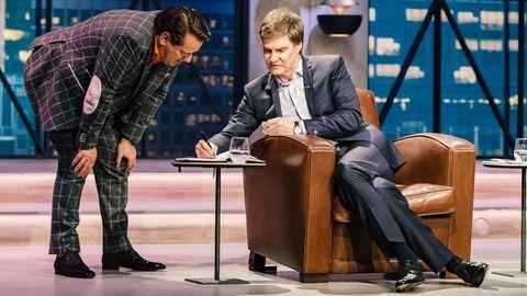 """""""Wenn einer Ahnung hat, wie man da Geld draus macht, dann sind wir das"""": Ralf Dümmel und Carsten Maschmeyer bereiten ihrGemeinschaftsangebot für den Mini-Inhalator Aspura Clip vor"""