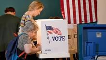 Midterms USA: eine Wahlkabine