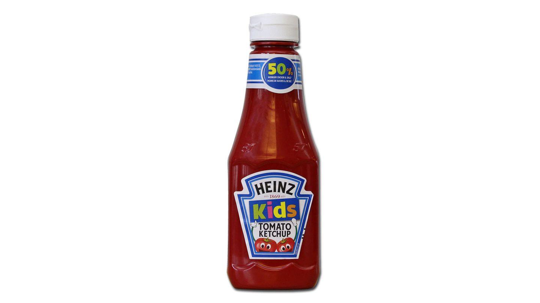 """Platz 2:Kids Tomato Ketchup von Heinz  Mit dem Aufdruck """"Kids"""" kostet der Ketchup bis zu 40 Prozent mehr als der gleiche Ketchup in der normalen Packung.Der Ketchup ist zwar zuckerreduziert, eigentlich sollten gezuckerte Ketchups laut WHO aber gar nichtals Kinderprodukt beworben werden, kritisiert Foodwatch. Hersteller KraftHeinz erklärte auf stern-Anfrage, die Preisgestaltung sei Sache des Handels. Die UVP von Heinz sei für die kleinere Packung höher, da die anteiligen Kosten für Verpackung und Logistik teurer seien."""