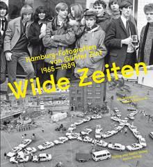"""""""Wilde Zeiten: Hamburg-Fotografien von Günter Zint 1965–1989"""", mit Texten von Tania Kibermanis, Dölling und Galitz Verlag/Junius Verlag, 256 Seiten, 49,90 Euro. Hier bestellbar."""