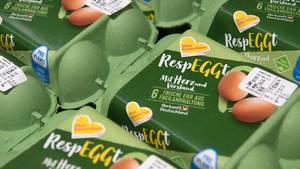 Eier im Supermarkt, die ohne Kükentöten auskommen