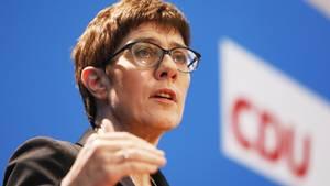 Kramp-Karrenbauer will auch Kanzlerkandidation werden