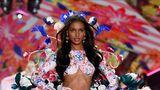 Jasmine Tookes ist seit 2012 Victoria's Secret Model. Vor zwei Jahren durfte sie sogar den berühmten Fantasy Bra tragen, das teuerste Stück jeder Show.