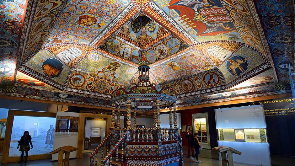 Im Jüdischen Museum Warschau steht der Nachbau des Gewölbes der hölzernen Synagoge von Gwoździec