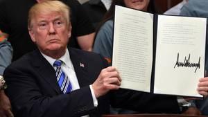 Donald Trump zeichnet Einschränkung des Asylrechts ab