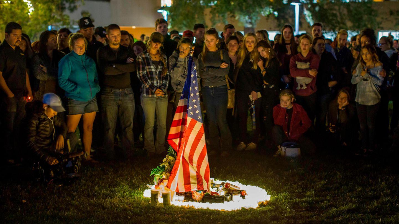 Trauer nach der Attacke von Thousand Oaks
