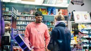 Jérôme Boateng überraschte in Berlin einige Kiosk-Besucher