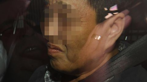Die 50-jährige Frau wurde im australischen Brisbane festgenommen, weil sie Nadeln in Erdbeeren versteckt haben soll