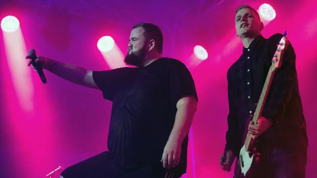 """Die Band Feine Sahne Fischfilet mit Frontmann Jan """"Monchi"""" Gorkow (l.)"""