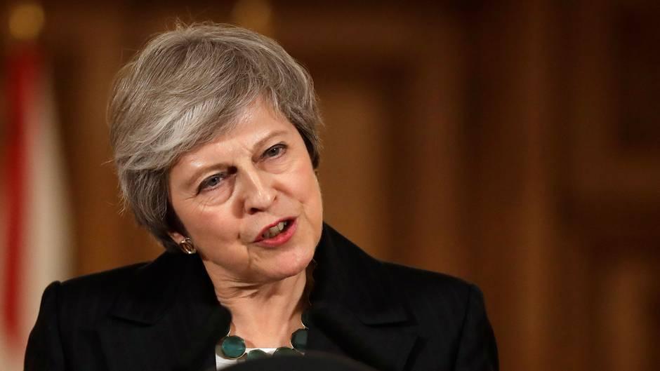 Brexit-Entwurf: Brexit-Entwurf Rücktritte stürzen London in Regierungskrise - der Stuhl der Premierministerin wackelt