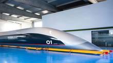 Hyperloop-Kapsel des Unternehmens HTT für den Personen-Transport. Für die Hamburger Pläne müsste eine Kapsel für den Gütertransport entwickelt werden