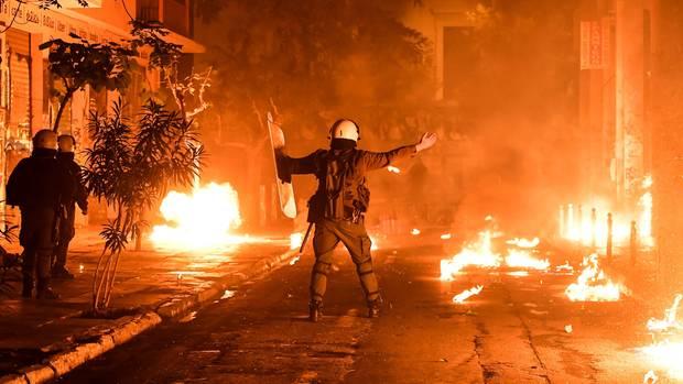 Proteste in Athen, Griechenland: Gedenken und gewaltsame Proteste