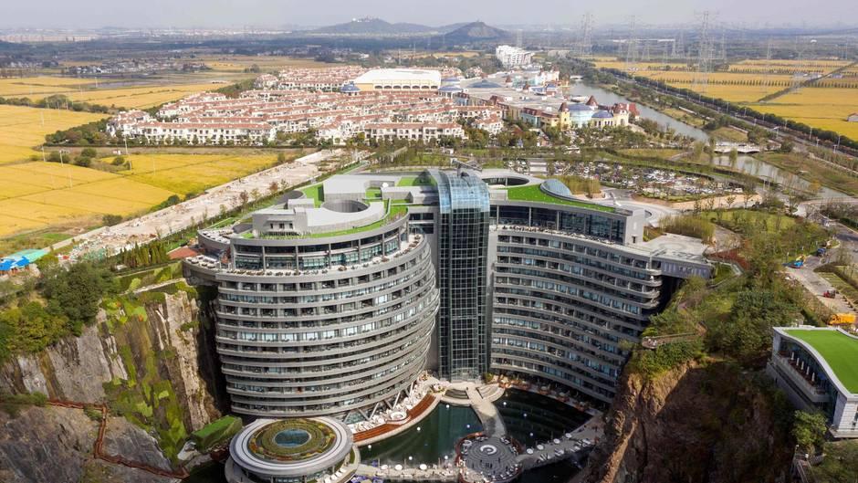 In diesem Haus geht es vor allem abwärts:Von 18 Stockwerken befinden sich nur zwei Etagen oberhalb der Erdoberfläche.