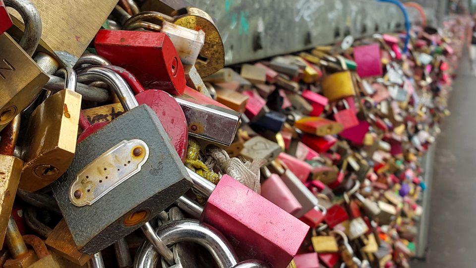 Liebesschlösser an der Kölner Hohenzollernbrücke