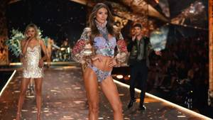 Lorena bei der Victorias Secret Show in New York City.