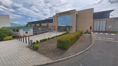 Paris Green wird aus demEdinburgh-Gefängnis in ein Krankenhaus in Brighton verlegt, um sich dort einer Geschlechtsumwandlung zu unterziehen