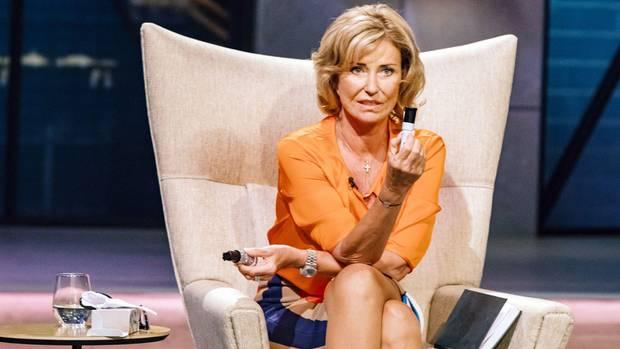 Discount oder Premium? Dagmar Wöhrl fragt die Gründer des Abwehrsprays Safaya, wo sie mit ihrer Marke hinwollen.