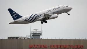 Startendes Flugzeug in Moskau-Scheremetjewo (Archiv)