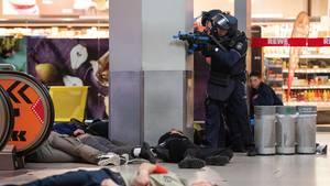 i_terror-Übung der Polizei am Flughafen Köln/Bonn