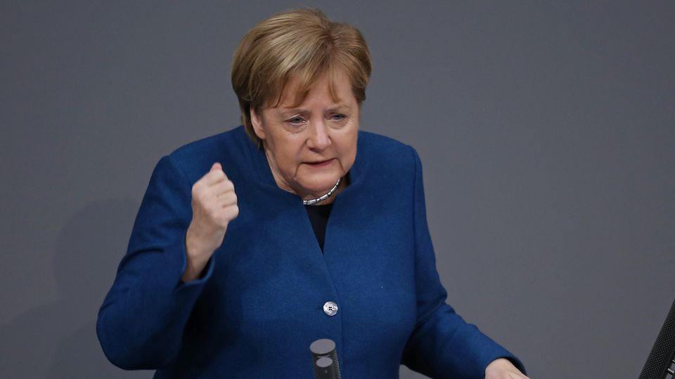 """Bundeskanzlerin Merkel sagte, dass der Pakt in """"nationalem Interesse"""" sei"""