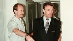 """1999 ging es für den fünffachen """"Boxer des Jahres"""" ins Gefängnis.Unter anderem wegen Hehlerei und Kokainhandels wurde Weller zu sieben Jahren Haft verurteilt, vier musste er davon absitzen."""
