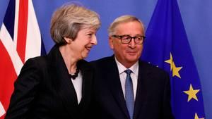Theresa May traf am Mittwochabend mit EU-Kommissionspräsident Jean-Claude Juncker zusammen