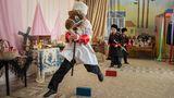 Dimitrowgrad: Im Kindergarten üben sich schon die Kleinsten in den Traditionen der Kosaken