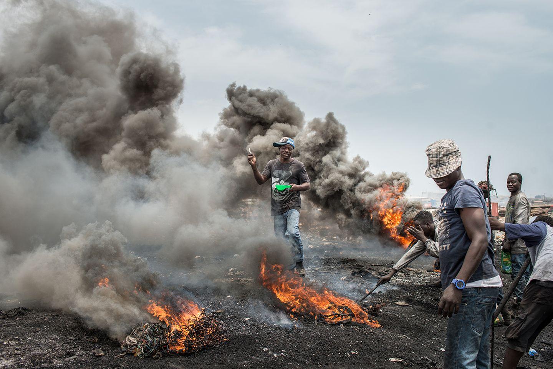 In Accra, Ghana, landen jährlich Millionen Tonnen Elektronikschrott