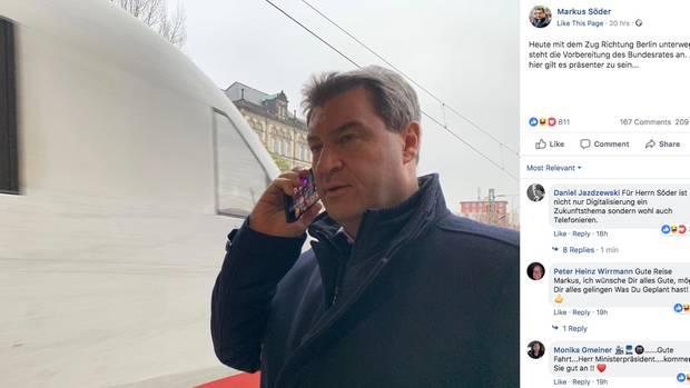 CSU-Politiker Markus Söder beim Telefonieren