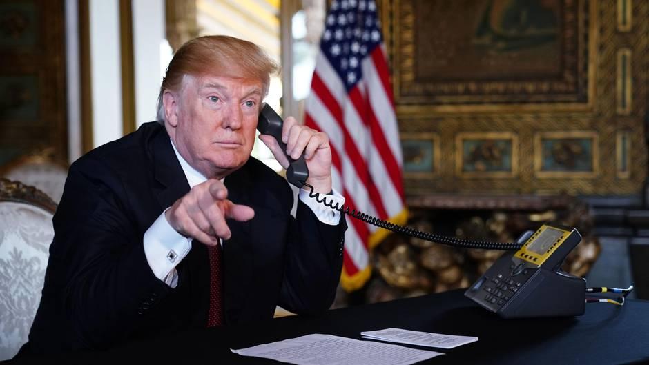 Donald Trump telefoniert mit Soldaten für Thanksgiving