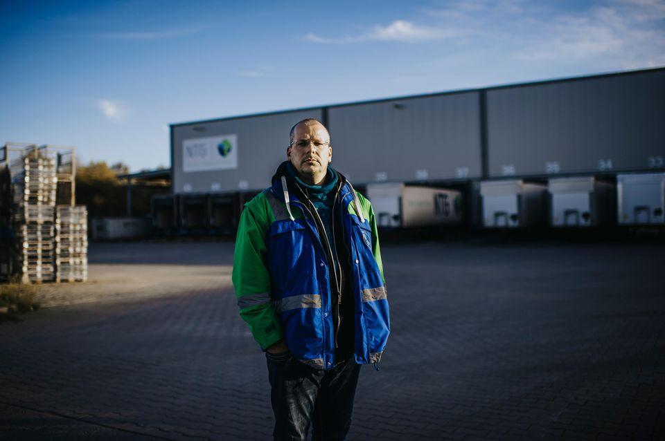 Aufklärer: Edwin Atema von der niederländischen Gewerkschaft FNV kümmert sich um die Fahrer