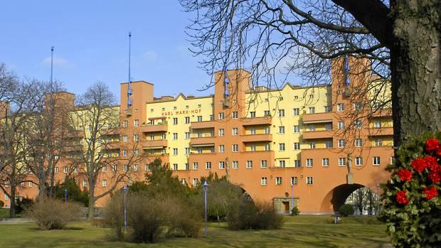 Der Karl-Marx-Hof zählt zu den bekanntesten Gemeindebauten in Wien.