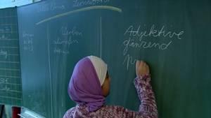 Deutschunterricht an der Grundschule Köllnische Heide in Berlin-Neukölln (2010).