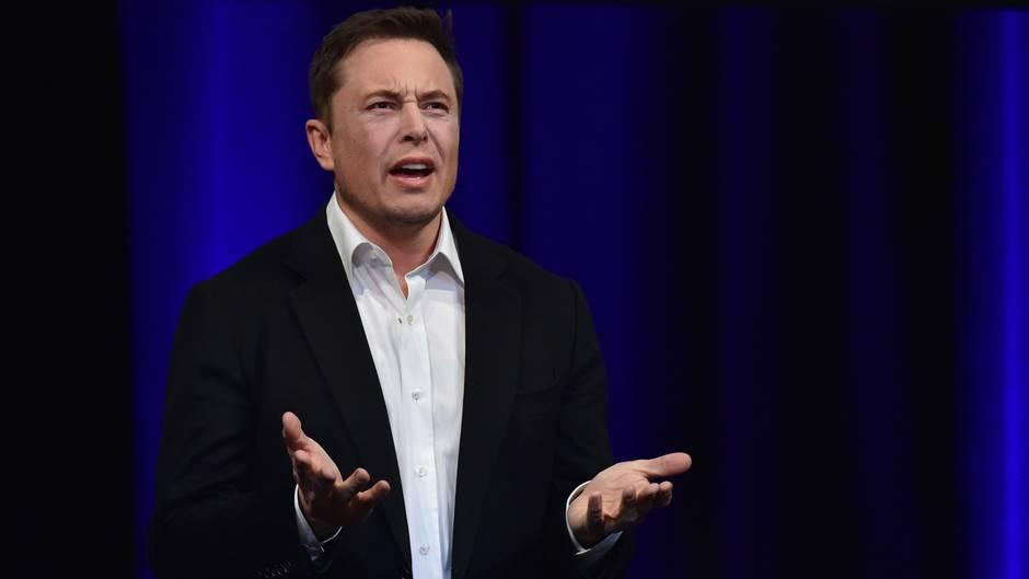 Elon Musk bei einer Rede