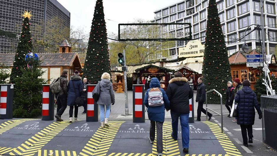 Beginn Weihnachtsmarkt Berlin 2019.Berliner Breitscheidplatz Die Weihnachtsmarkt Festung In Bildern