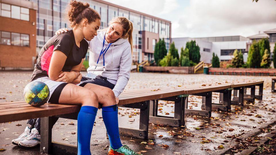 Schulsport ist grausam: Erste Periode, Bocksprung, geplatzte Badebüx
