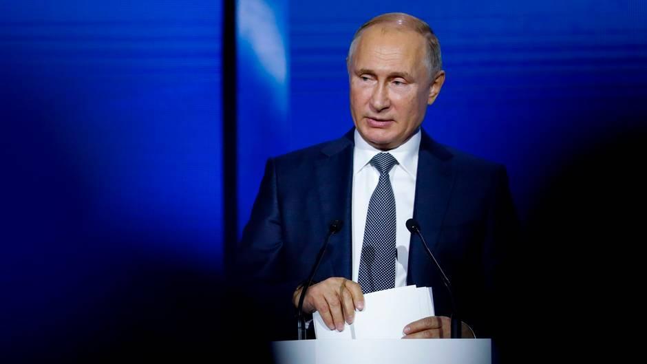 """Ausrufung des Kriegsrecht: """"Alles nur inszeniert"""" – Putin wirft Ukraine gezielte Provokation vor"""